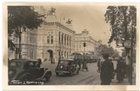 Wien I: Opernring mit Haltestelle + Strassenbahn + Oldtimern / Fotokarte um 1930
