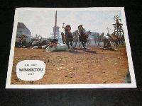 Winnetou I : Aushang: Kämpfende Apachen in der Stadt